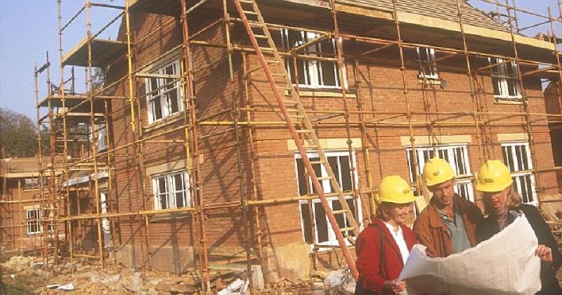 Advantages and Disadvantages of Rebuilding a House