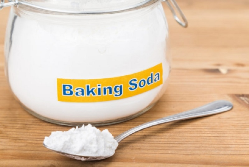 Baking soda for pimple treatment
