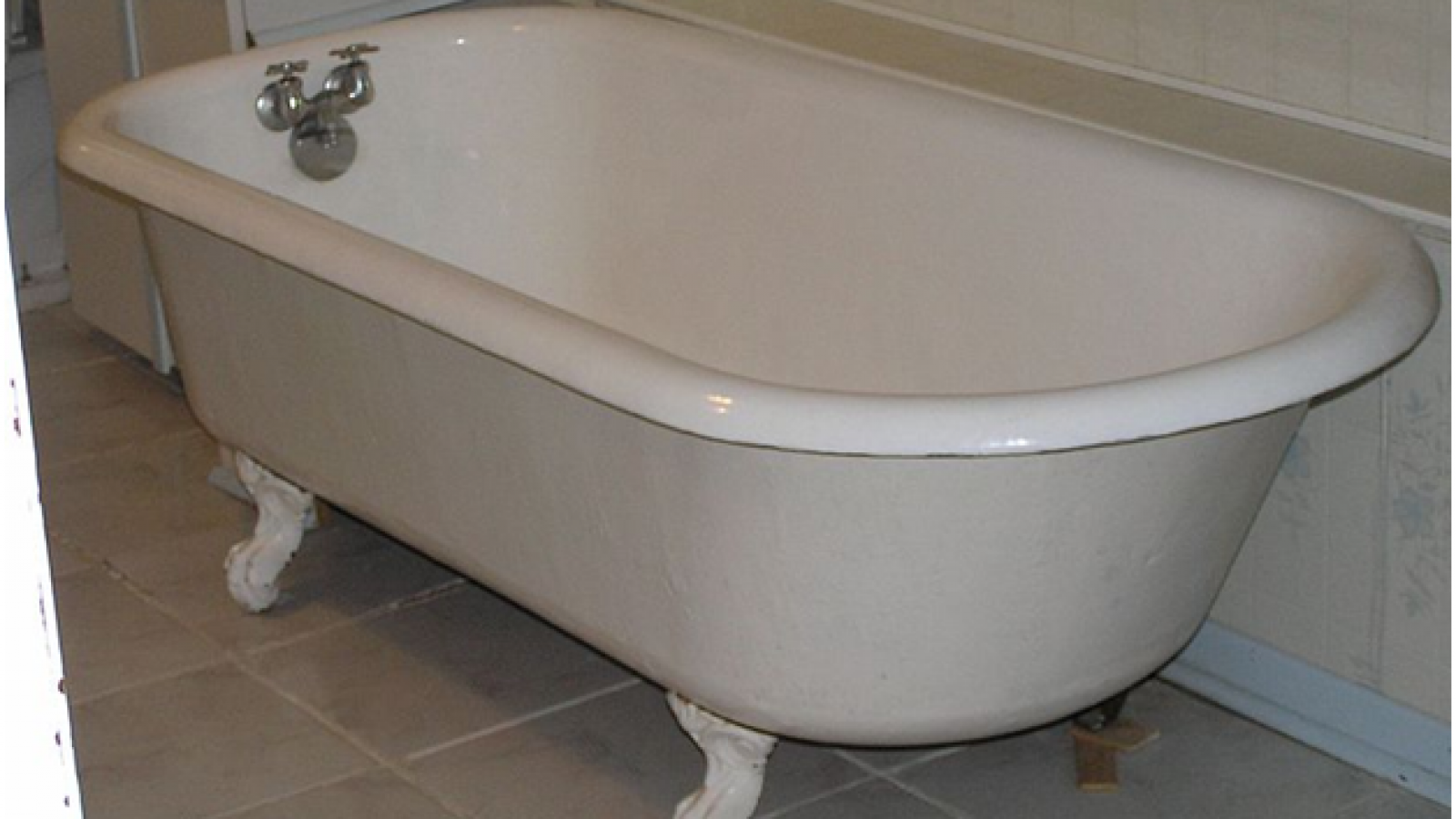 Cleaning a Cast Iron Bath