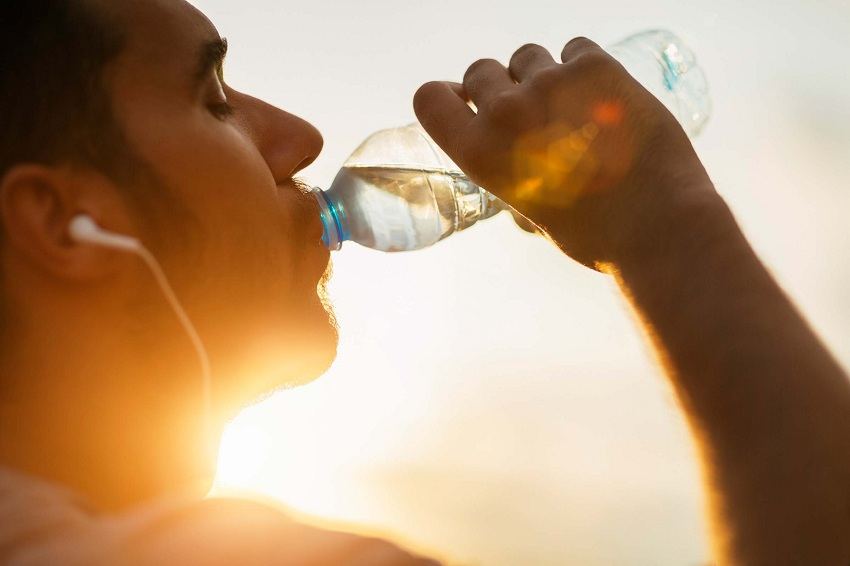 7 Reasons why you're Always Thirsty