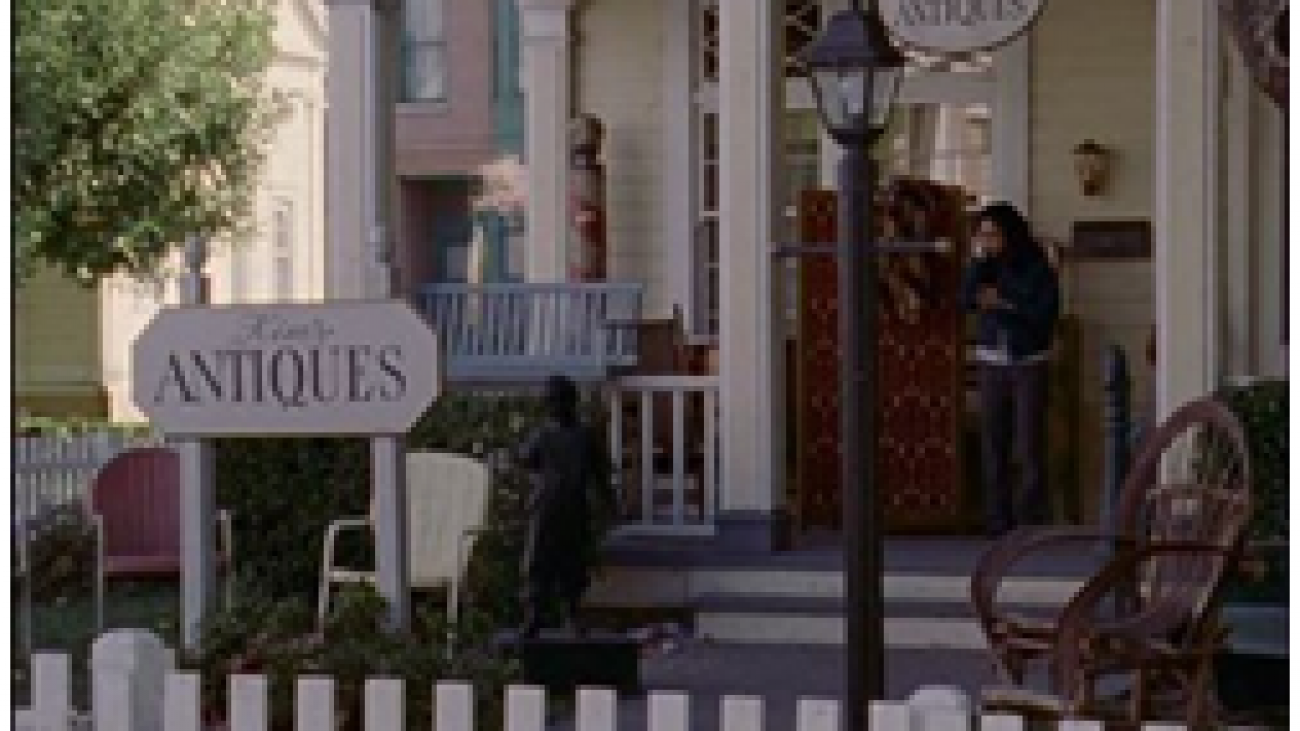 At Kim's Antiques in Stars Hollow
