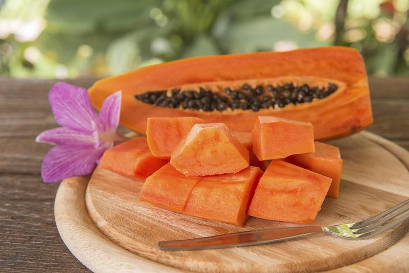Cure tongue pain with papaya