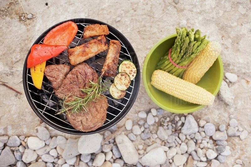 Accompaniments for a barbecue