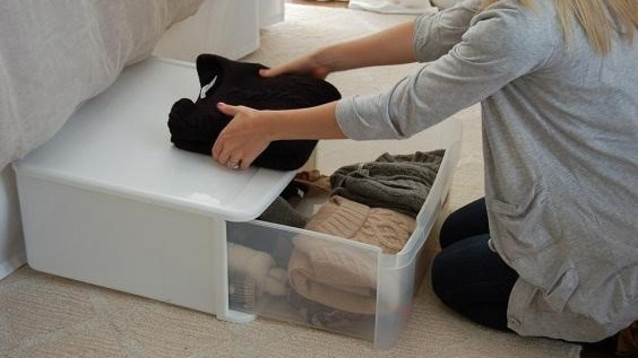 What are the key elements to storing clothes