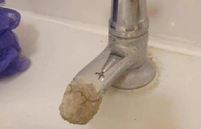How to Clean Limescale From Taps? Step by Step Guideline